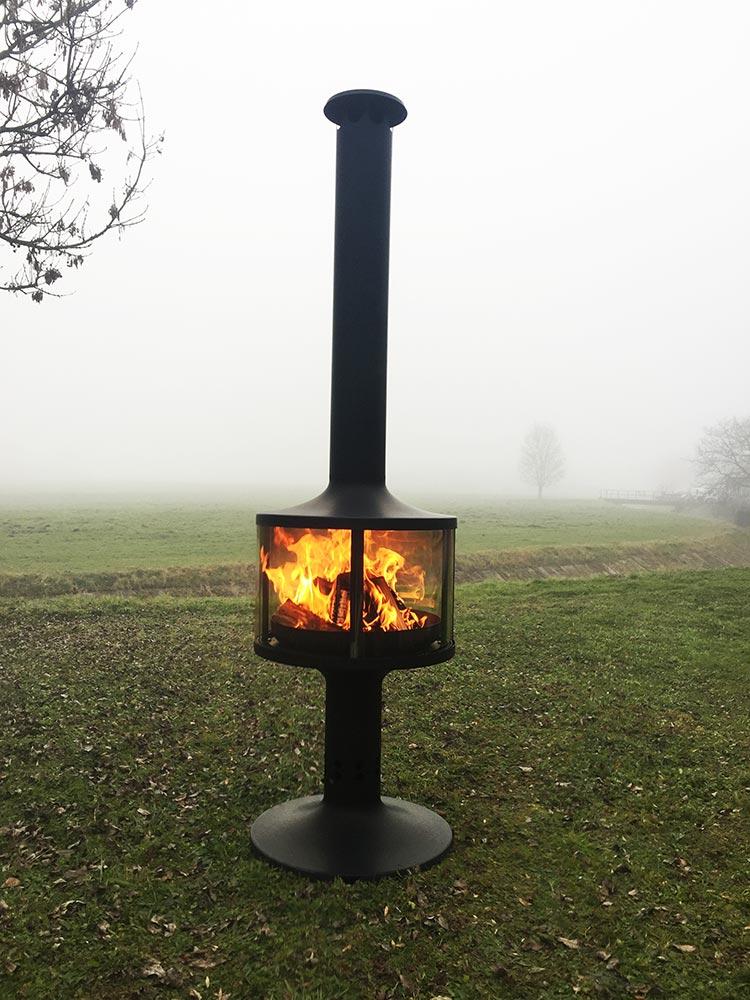gartenkamin the poser outdoor feuerstelle fine art of fire. Black Bedroom Furniture Sets. Home Design Ideas